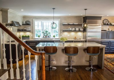 Traditional kitchen, open shelves