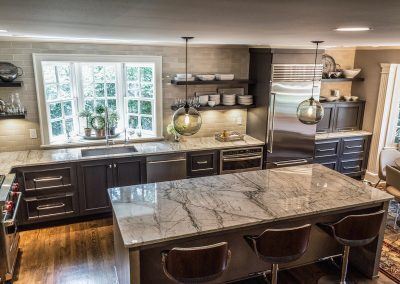 Traditional kitchen, open shelving